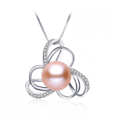 BUTTERFLY EFFECT PEARL NECKLACE